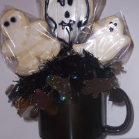 Halloween Coffee Mug Cookie Bouquet Halloween themed coffee mug cookie bouquet. NFSC with sugar glaze.
