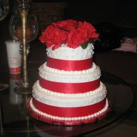 Just_More_Shots_017.jpg   My 1st Wedding Cake .....I'm pretty Happy with!!!