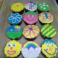 Simple Practice Cupcakes I made these using the only the tips from the Wilton Sampler Kit, #3,18,352. I will be teaching a children's class in August and...