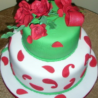 Red Roses B-Day Cake