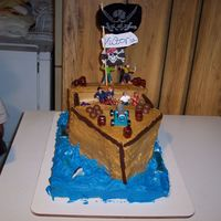 007.jpg My Grandaughter Pirate Ship Cake.We did it together and had a ball.