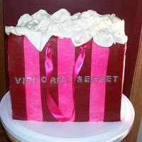 Victoria's Secret Bag Practice practice, I make my cakes for practice, so that someday I will do this with ease, I will be adding handles Victoria Victoria'...