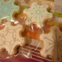 Snowflakes   vanilla/almond sugar cookies-i have a love/hate relationship with snowflake patterns, they never seem to turn out perfect enough for me