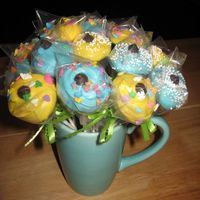 Cupcakebites2.jpg My attempt at cupcake bites. They were fun to make and taste pretty good, too!