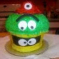 Yo Gabba Gabba I love this cake. Yes, it's a cupcake. The colors are airbrushed.