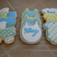 Baby Shower Cookies My friend bought me the cookies cutters and asked me if I could do anything with them. This was my second time making cookies and it was so...