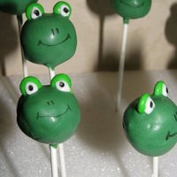 Frog Cake Pops Frog Cake Pops made for a Princess and the Frog Party!