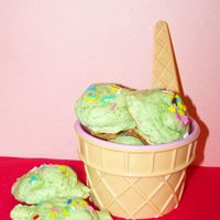 Ice Cream Scoop Cookies  I got this from someone else's suggestion. I loved it!! She had tried it with strawberry flavored jello but here I did the lime jello...