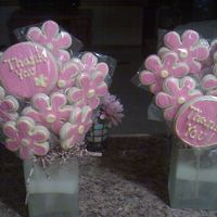 Teacher Cookies These are my first cookie bouquets that I ahve finished without them being thrown away! I am so happy! NFSC with royal.