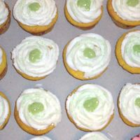 Key Lime Cupcakes These were so awesome! Key lime cake with key lime pie filling. Buttercream swirl with a dab of the key lime filling on top and green sugar...