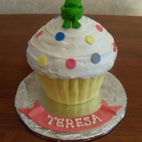 Giant Cupcake W/frog   MMF used for frog, cupcake liner, sprinkles and ribbon