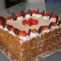 P5090116S.jpg   Cake filled with strawberries and cream.