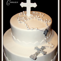 First Holy Communion I was asked to replicate the rosary beads that belonged to the grandmother of the little boy who this cake was for. She has passed away &...