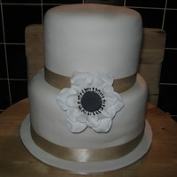 Single Flower Wedding Cake