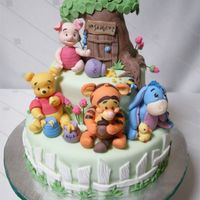 Baby Pooh & Friends Cake