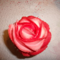 Rose Cupcake marble cupcake w/buttercream frosting