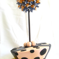 Single Tier Topsy Turvey With Chocolate Adorned Topiary   Topiary was covered in the girls favorite choclates...Hershey's kisses of course!!
