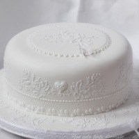 Emboidery Cake Royal Icing Brush/stitch embroidery, cornelli work and lace butterfly.TFL