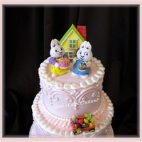 Max & Ruby Princess Birthday   Gum paste figures, house and toys from Max & ruby. Butter cream piping.