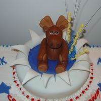 Dsc01383.jpg close up up topper. moose made with fondant.