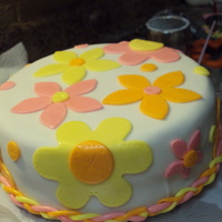 It's Spring! A cake to selebrate the coming of spring. All fondant covered white cake with ganache filling.
