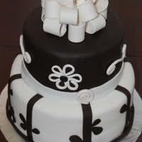 Black And White Vine Cake Black and white vine cake. Black fondant is chocolate fondant dyed black. Choco cake covered in fondant. TFL