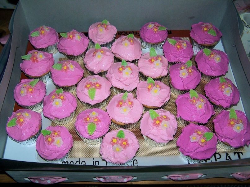 Pink Bridal Shower Cupcakes