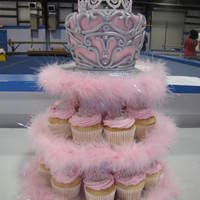 Princess Cupcake Tower The top cake is based off a design here (I think). I can't remember who's it was, so please, if its yours let me know so I can...