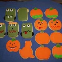 Halloween Cookie Bouquet This was for a Cookie Blossom class that I taught on Halloween in '09. We had a lot of fun.