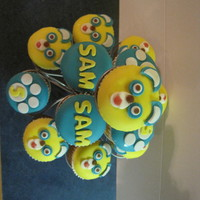 Special Agent Oso Fondant topped Special Agent Oso cupcakes