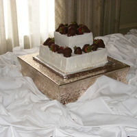 My Nightmare Groom's Cake  Groom's request: Lemon cake with white icing and chocolated dipped strawberries. Problem with that is that when you get married on the...
