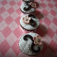 Cherry Blossom Mini Cupcakes chocolate mini cupcakes