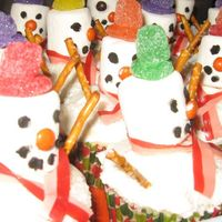 Snowman Cupcakes  I made these for our block's Santa party. I wasn't too sure about them but when I walked into the party a 4-year-old told his mom...