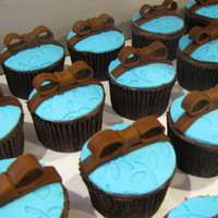 Cupcakes Baby Shower Blue Brown Cupcakes for a baby shower, to match invitations and bedding. Thanks to another CC'er for the inspiration!