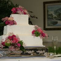 Square Wedding Cake This was all buttercream with real flowers. TFL!