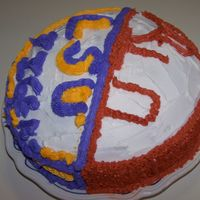Ut & Lsu My three daughters wanted to bake and decorate there very own cake, but the only problem was that they each like two different colleges......
