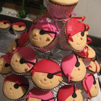 Pirate Cupcakes Pirate cupcaks for a kids party. Very cute!! The kids loved them