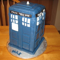 Dr Who - The Tardis   Tardis is cake covered with fondant