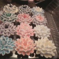 Marshmallow Flower Cupcakes Fun to make. A little time consuming but definitely worth it.