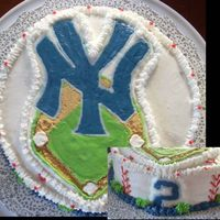 Da Yankees This was my first attempt at FBCT. I made it for a boy who loves the NY Yankees and #2 Derek Jeter. 2 layer confetti cake with bc icing....