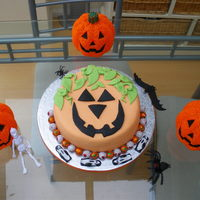 Pumpkin Cake This is a cake i made for my daughters Halloween party