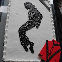 Michael Jackson King Of Pop A vanille cake with choklatecreme, covered with fondant and decorated with icing....