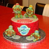 Tmnt The TMNT's are hand made from 50% gumpaste & 50% fondant. Everything on the cake is edilbe.