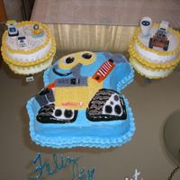 Wall-E Birthday This cake was my son's 4yrs birthday. All my invitees was stunning with the cake.