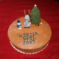 World Of Warcraft Winter Veil 2009 In honor of Winter Veil. The cake is adorned with a gumpaste Great Father Wintter, Candy Clay Snowman (via Winter Veil Disguise Kit),...