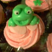 Wedding Frog & Ivy Cupcakes