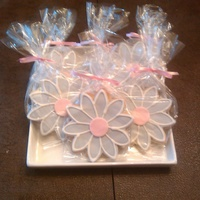 Daisy Cookie Favors Made as birthday party favors.