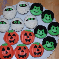 Halloween Cupcakes Chocolate cupcakes with vanilla frosting