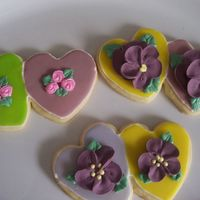 Beflowered Double Hearts NFSC with Toba's glace and royal icing flowers.