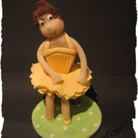 Dancer This is the last one for now. Again 50/50 marcipan and sugarpaste.It ballerina right?